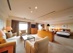 Hiroshima Airport Hotel - Mihara - Wohnzimmer
