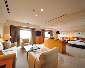 Hiroshima Airport Hotel - Mihara - Living room