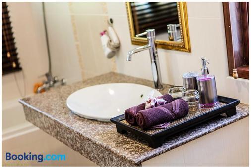 The Great Escape Chalets - Ko Pha Ngan - Bathroom