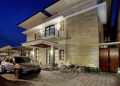 Omah Garuda Homestay - Yogyakarta - Κτίριο