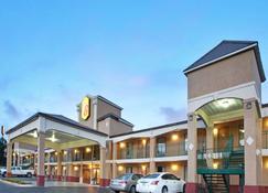 傑克遜東珍珠速 8 酒店 - 佩爾 - 珍珠城 - 建築