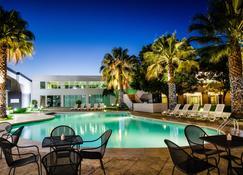 聖路易斯坡托西嘉年華酒店 - 聖路易波托西 - 聖路易斯波托西 - 游泳池
