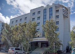 Tygyn Darkhan Hotel - Yakutsk - Edificio