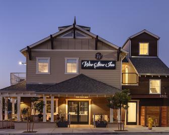 Wine Stone Inn - Santa Maria - Building