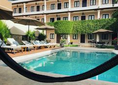 Casa Lucia Hotel Boutique - Мерида - Бассейн