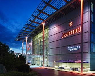 London Heathrow Marriott Hotel - Hayes - Building
