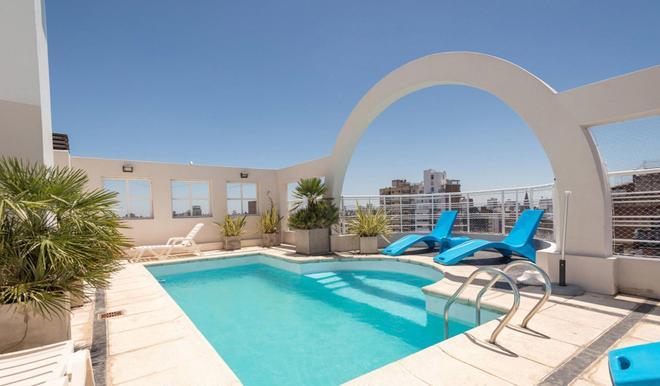 烏爾奇薩公寓套房酒店 - 羅沙略 - 羅薩里奧 - 游泳池