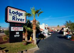 15 Best Hotels in Bullhead City  Hotels from $44/night - KAYAK