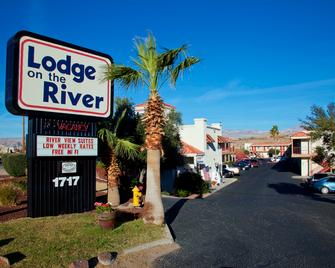 Lodge on the River - Bullhead City - Building