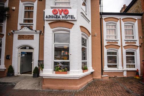 OYO Arinza Hotel - Ilford - Κτίριο
