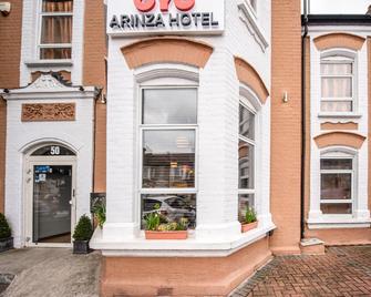 OYO Arinza Hotel - Ilford - Building