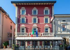 Puccini - Montecatini Terme - Edificio