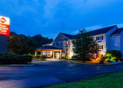Best Western PLUS Berkshire Hills Inn & Suites - Pittsfield - Building