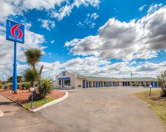 Motel 6 Van Horn - Van Horn - Edificio