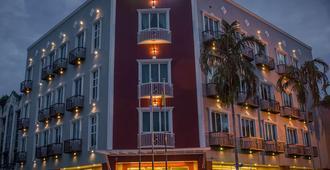 Qlassic Hotel - Сепанг
