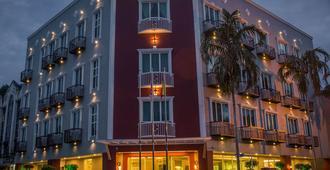 Qlassic Hotel - ספאנג