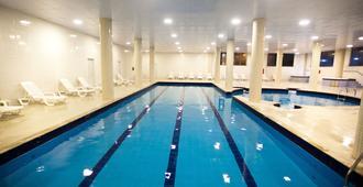 تروبيكاناز أبارت هوتل - فلوريانوبوليس - حوض السباحة
