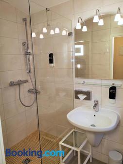 Hotel Villa Meeresgruss - Binz - Bathroom