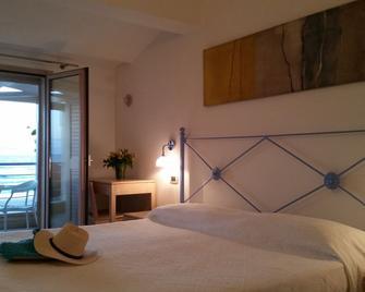 Hotel Mar & Sol - Santa Croce Camerina - Schlafzimmer