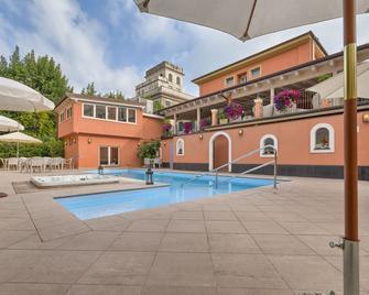 Hotel Monte Rosa - Chiavari - Pool