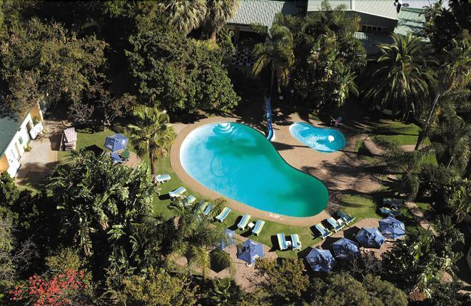 Safari Lodge Hotel & Convention Centre - Rustenburg - Piscina