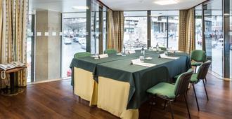 Holiday Inn Lisbon - Lisbon - Restaurant