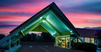 Travelodge by Wyndham Red Bluff - Red Bluff - Building