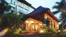 Kuta Paradiso Hotel - Kuta - Toà nhà