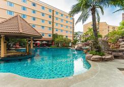Nova Platinum Hotel - Pattaya - Uima-allas