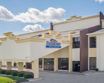 Baymont Inn & Suites Kokomo - Kokomo - Building