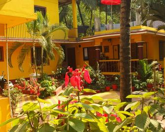 Yellow House - Vagator - Outdoor view