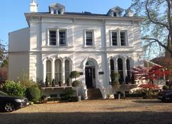 Lypiatt House - Cheltenham - Building