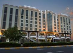 Ayla Grand Hotel - Al Ain - Building