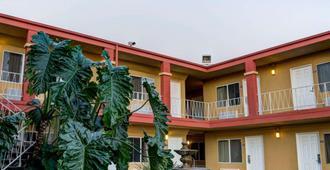 Rodeway Inn near Venice Beach - Los Angeles - Rakennus