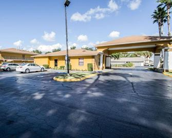 Quality Inn near Blue Spring - Orange City - Gebäude