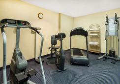 Baymont by Wyndham Flagstaff - Flagstaff - Gym