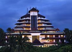Gq Hotel Yogyakarta - Yogyakarta - Gebäude