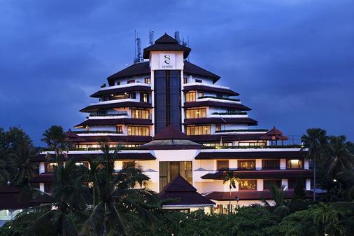 Gq Hotel Yogyakarta - Yogyakarta - Toà nhà