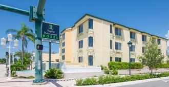 Naples Park Central Hotel - Naples