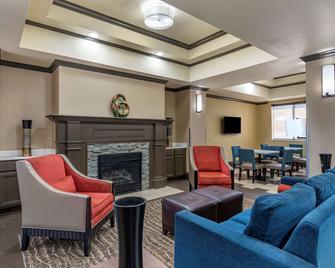 Comfort Inn & Suites - El Dorado - Wohnzimmer