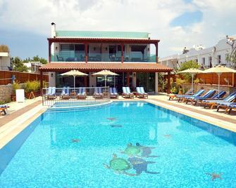 Dilekagaci Boutique Hotel And Beach - Ortakent-Yahşi - Pool