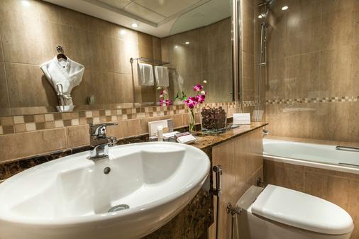 First Central Hotel Suites - Dubai - Kylpyhuone