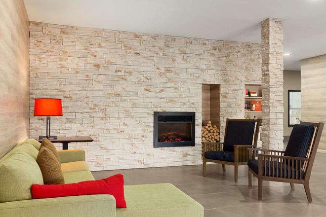 Country Inn & Suites by Radisson Jackson - Airport - Pearl - Σαλόνι