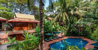 Angkor Village Hotel - Siem Reap - Piscina