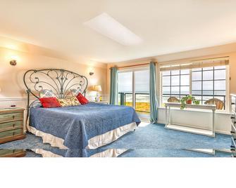 Sweet Caroline Inn - Ocean Shores - Bedroom