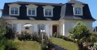 Chambres d'Hôtes La Mansardière - Cancale - Building