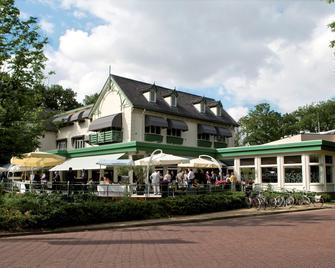 Fletcher Family Hotel Paterswolde - Paterswolde - Edificio