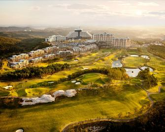 Del Pino Golf & Resort - Sokcho - Outdoors view