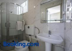 威尼斯酒店 - 波爾圖 - 浴室