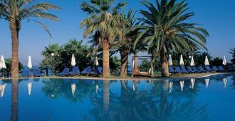 Azia Resort and Spa - Pafos - Piscina